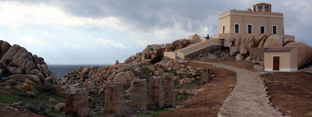 Santa Teresa Gallura - il Faro di Capo Testa
